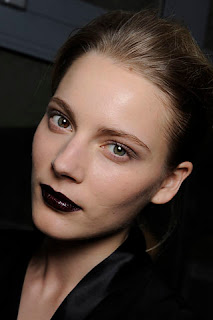 dark lipstick on Missoni runways