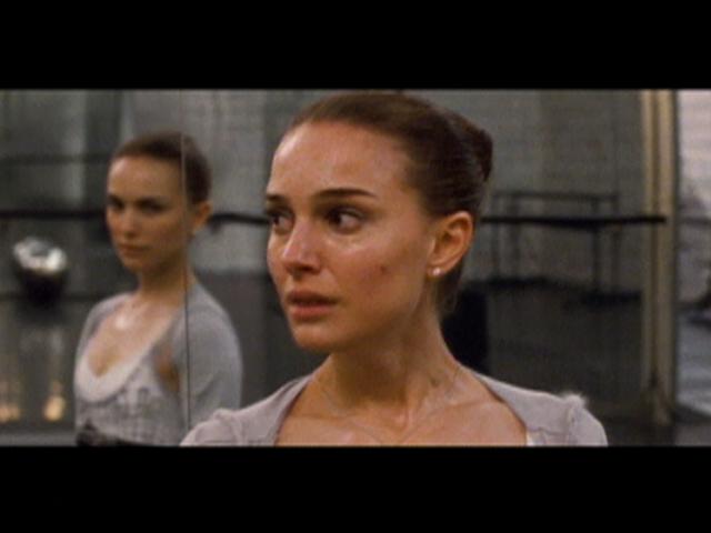 Natalie Portman VS Mila Kunis @ Black Swan Premiere! Mila VS Natalie