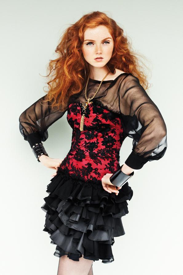 http://4.bp.blogspot.com/_u90AC4da1zY/TLRXEyV6-_I/AAAAAAAALjY/gxXLXTzIFp0/s1600/Lily_Cole_Vandidad_Inside_03.jpg