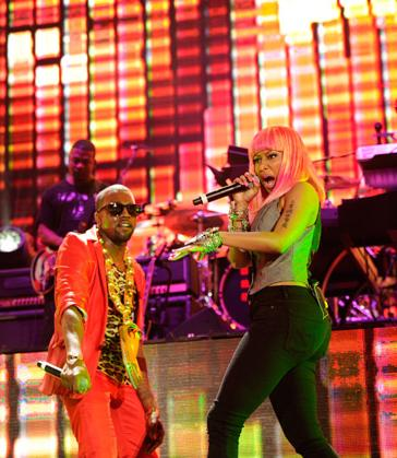 His guest, Nicki Minaj hit the stage and made a surprise appearance while