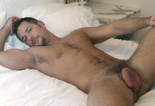 http://4.bp.blogspot.com/_uAHBlIqLp9Q/TMQEzVZEkqI/AAAAAAAAVSE/ivrDBz-a0DA/s1600/bed+time+boy+with+big+balls.jpg