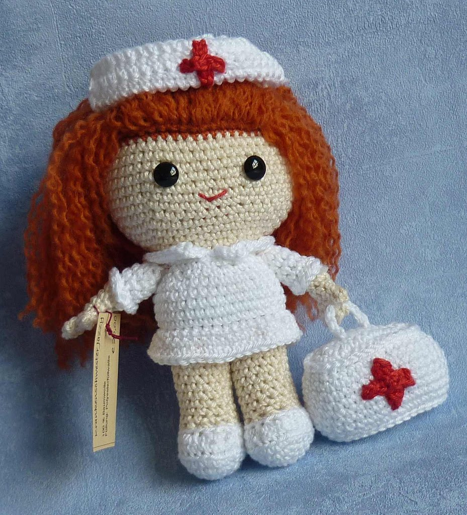 Amigurumi Nurse Pattern : Dolls made by Akinna Stisu (design from K and J Dolls ...