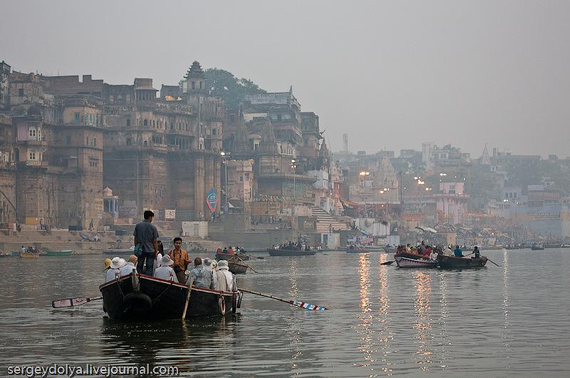 Radha Krishna Land: Varanasi, Ganga Ом Намах Шивая