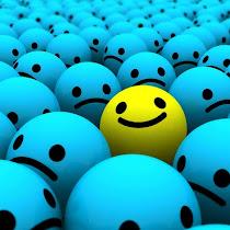 teruskan hadapi hidupmu dengan senyuman:)