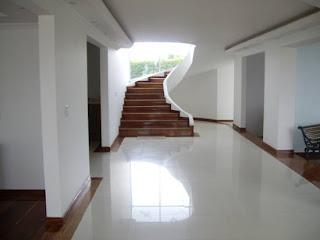 Venta casa quinta ch a vereda f gua entrada principal for Escaleras entrada casa