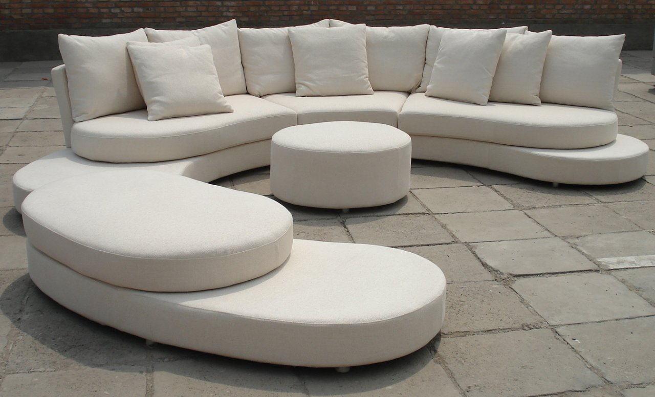 Bjk 39 s villa villa sofa sets for Modern chic furniture