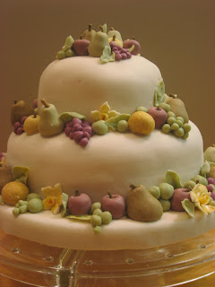 cake with fruit, fondant cake, las vegas wedding cakes