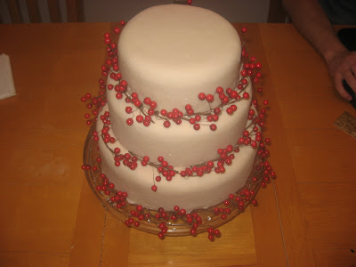 Christmas cake, holiday cake, cake with berries, las vegas wedding cakes