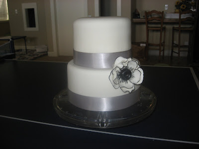 Black and white wedding cake, chic cake, Floral Cake, Las Vegas Wedding cakes