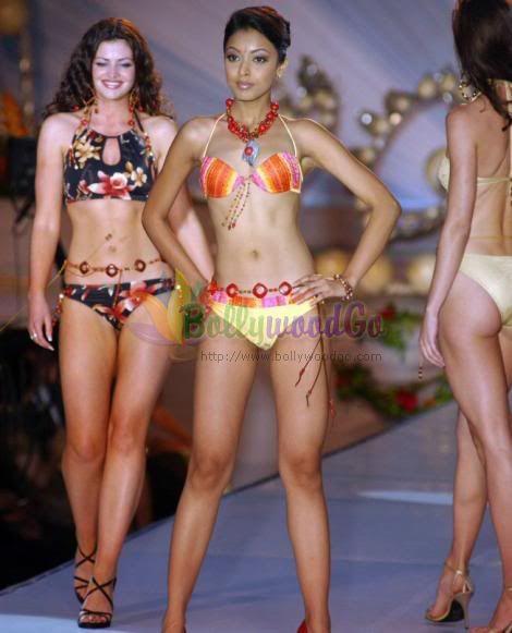 Tansuhree Dutta in Bikini and Bra Sexy Pictures