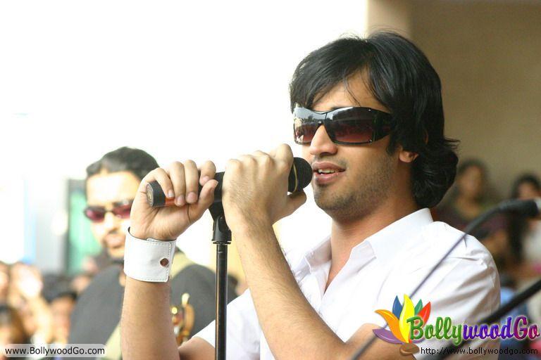 Pop Singer Atif Aslam (2)
