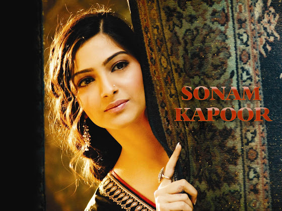 Sonam Kapoor 03 +