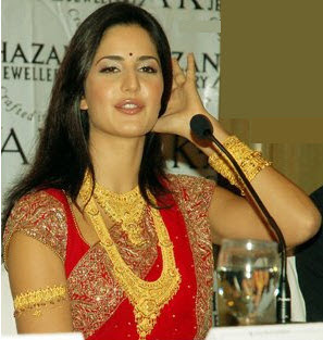 Katrina Kaif in traditional Gold Jewellery from Khazana