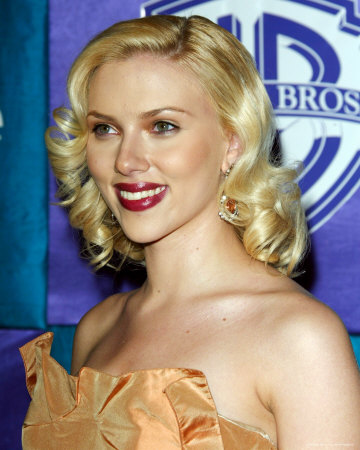 Celebrity Scarlett Johansson Blonde Hairstyle Pictures