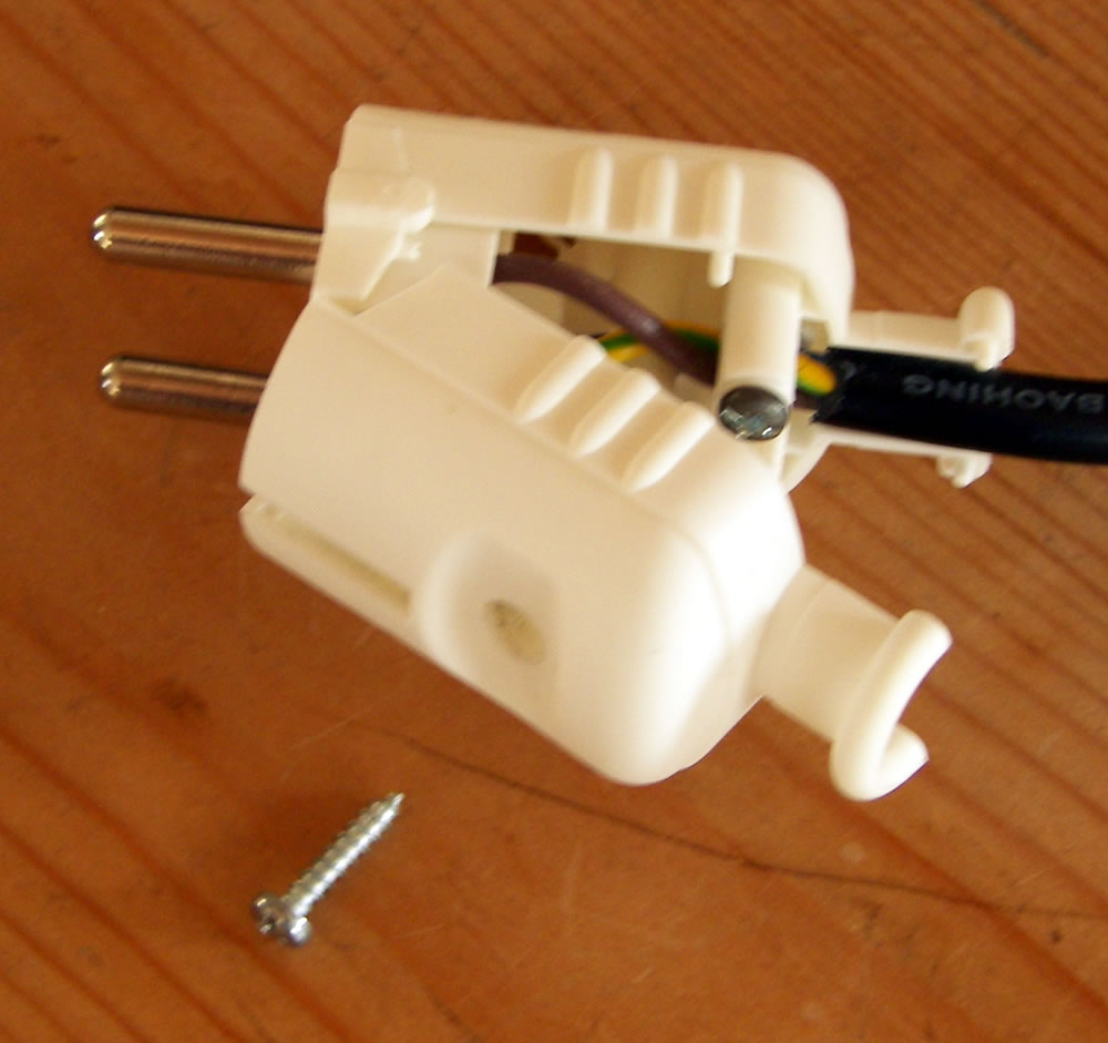 Das Blog Fitting A German Continental European Plug Wiring Power