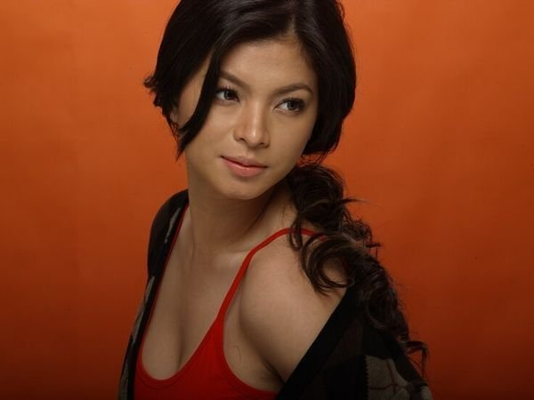 Angel Locsin's Photo shoot Angel Locsin is very famous now a days