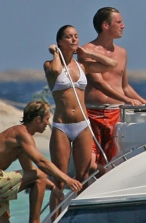 kate middleton pics bikini. Kate Middleton on Bikini with