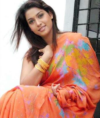 South actress Rakshita in printed saree