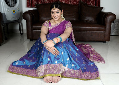Aarthi Agarwal in pattu Half Saree