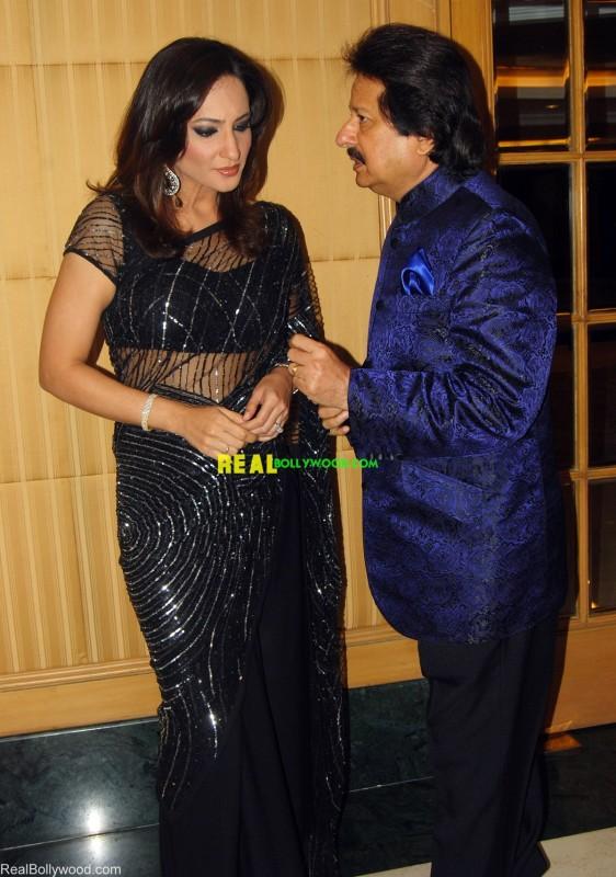 Rakshanda Khan Hot Related Keywords - Rakshanda Khan Hot