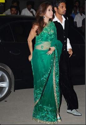 Urmila Matondkar in Manish Malhotra Designer Saree at 55 Filmfare Awards 2010