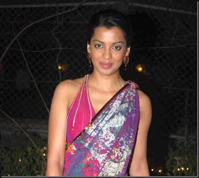 Mugdha Godse in Designer Saree at Great Women Achiever Awards 2010