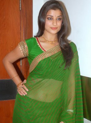actress madhurima in green saree
