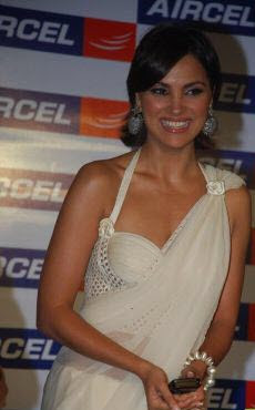 Lara Dutta in White Saree