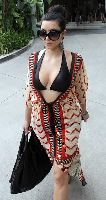 Kim Kardashian Hot Bikini Pics