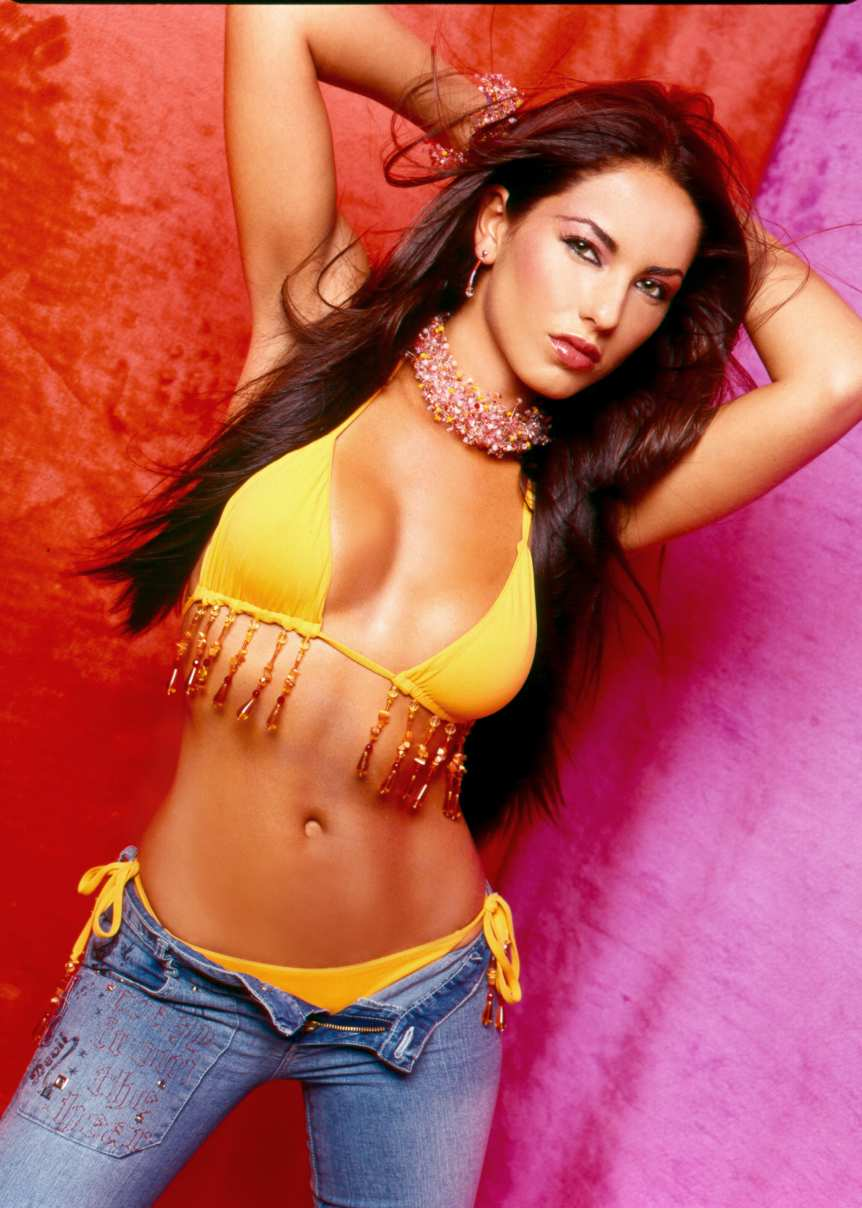 Bollywood Actress Bikini Karishma