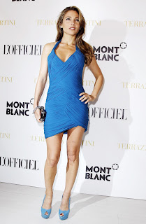Hot Elsa Pataky pictures in blue dress