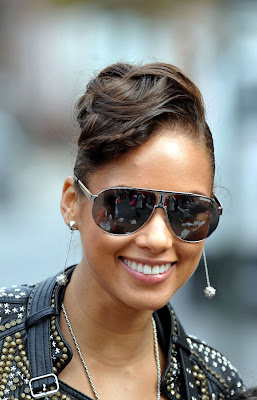 Alicia Keys in Carerra; Looking Good With A Broken Heart