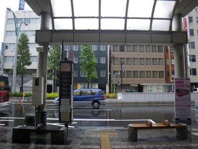 福井駅前のバス乗り場