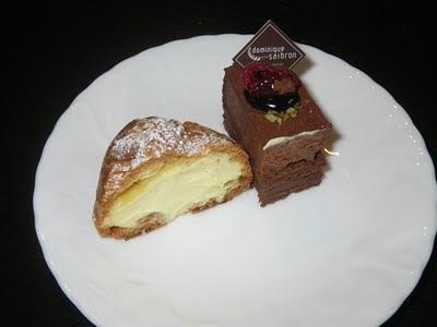 シュークリームとチョコレートのケーキ(半分)