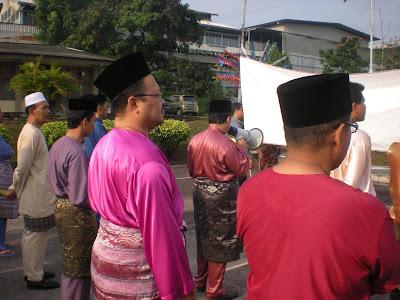 <strong><em>Rezeki Majlis Maulidur Rasul</em></strong>