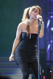 Jennifer Lopez at Viva Romance Concert in Miami