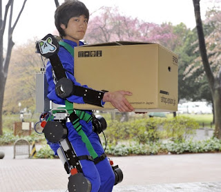 Armadura de Robocop é criada para idosos
