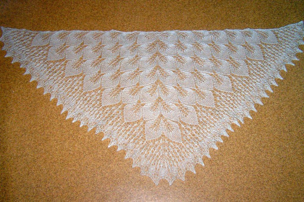 Рхемы вязания шалей крючком Шали.  Вяжем на спицах, крючком и на.