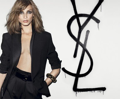 Fashion Blogs  Women  on Top 5 Must Have Fashion Items   Luxury Fashion Blog Haute Mimi
