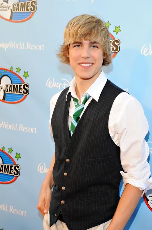 """En Vivo, Telenovelas]: Cody Linley participará en """"Over Here"""