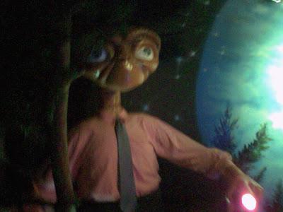 ET mannekin in ET Bar
