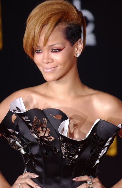 new rihanna hair 2011. Hairstyle 2010 2011 Rihanna