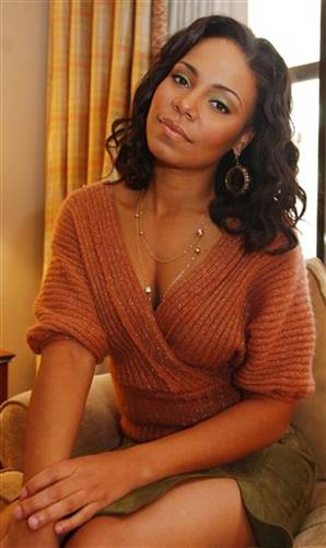 Sanaa Lathan Black Celebrity Black Hairstyles for Oval Faces