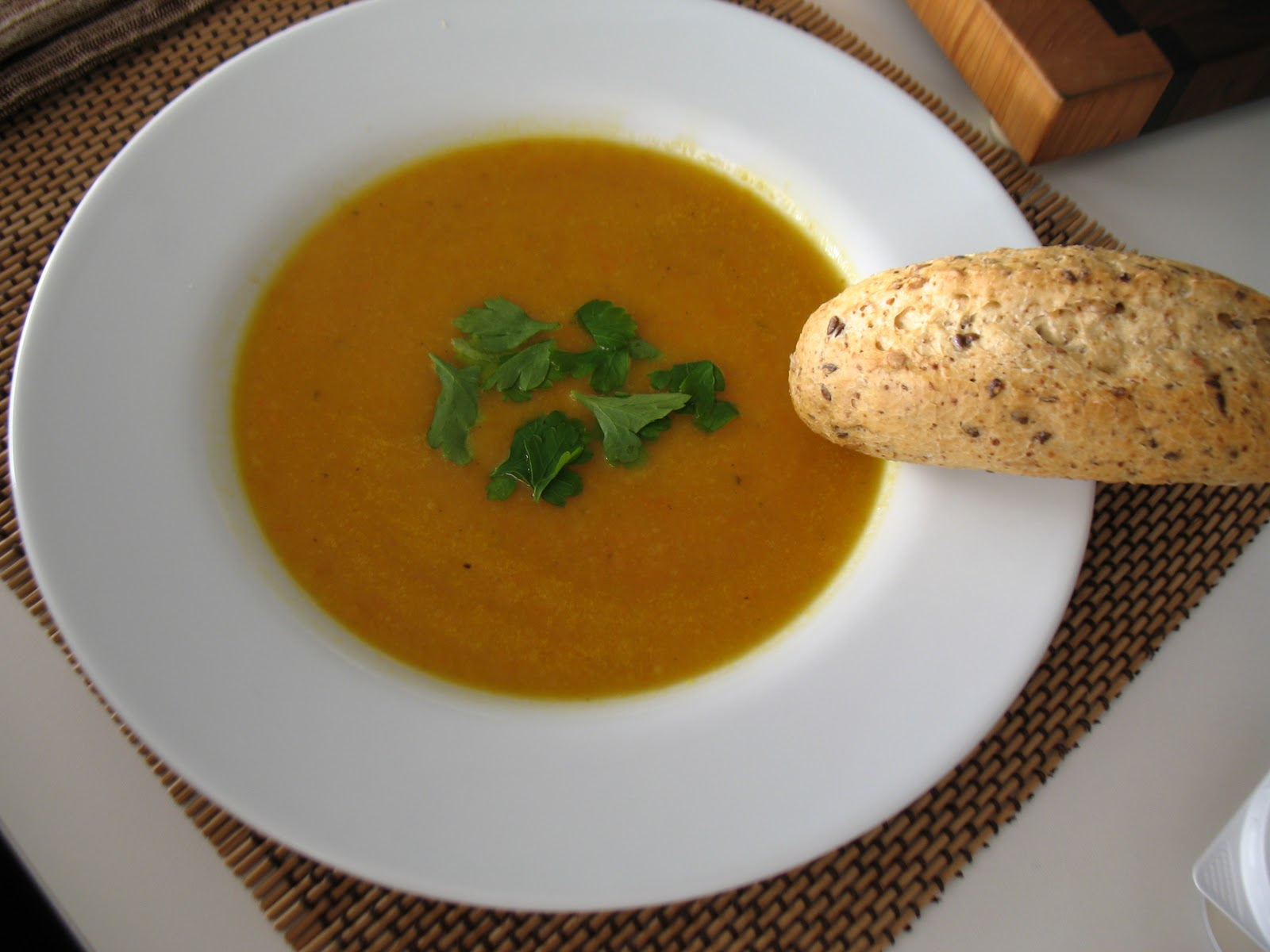 Courtney's Vegan Journal: Carrot, Apple, Ginger Soup