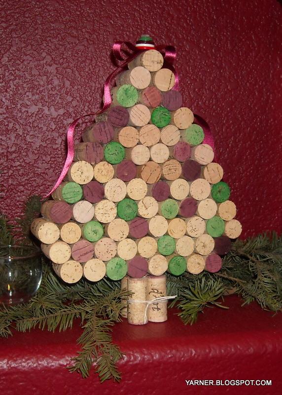 i 39 m a yarner wine cork christmas trees. Black Bedroom Furniture Sets. Home Design Ideas