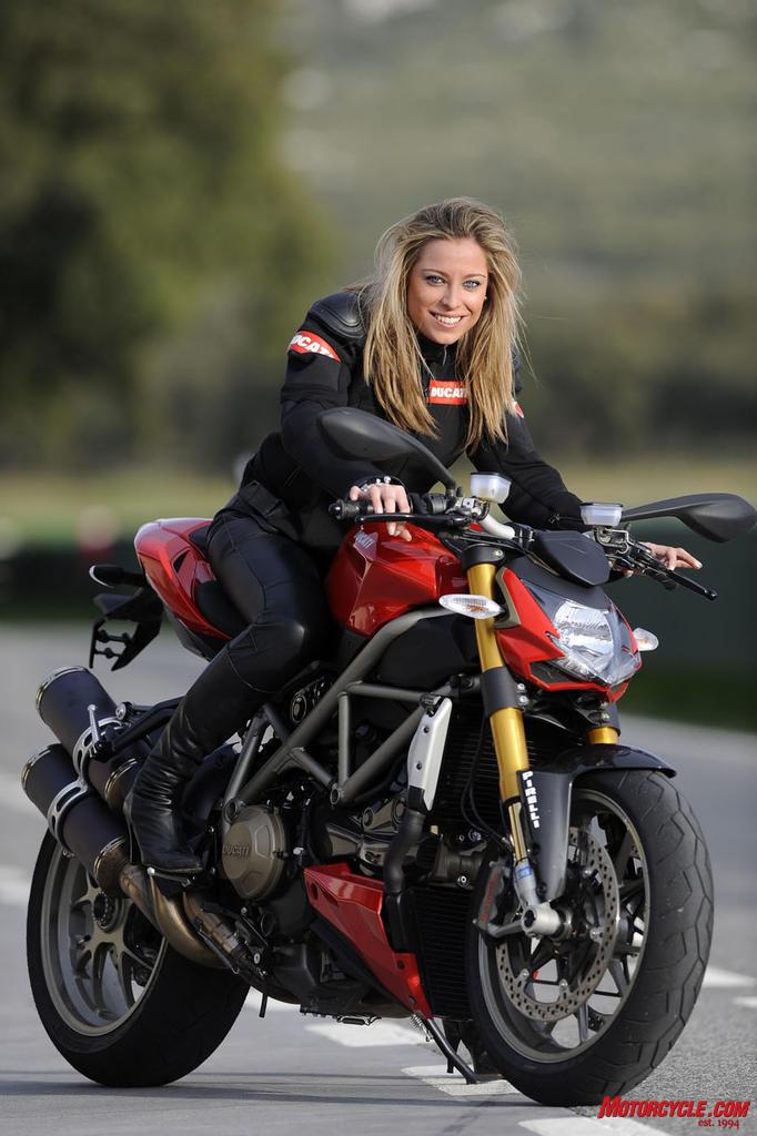Dragoons Moto Clube: Motos e Mulheres