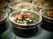 kek coklat in cup