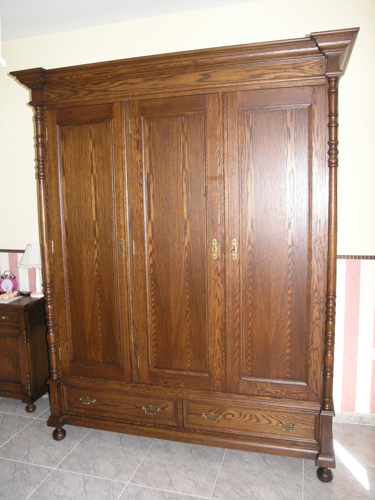 Rustical reproducci n del mueble antiguo roperos de 3 y for Roperos de madera para dormitorios