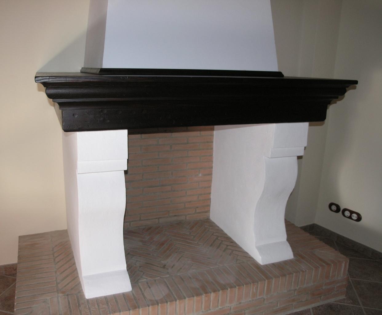 Rustical reproducci n del mueble antiguo revestimiento - Molduras para chimeneas ...