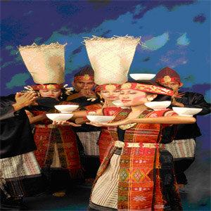 seni budaya indonesia senantiasa tetap membuktikan bisa dinikmati oleh